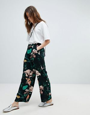 Only Wide Leg Floral Trouser Front
